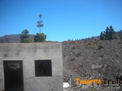 Construcción salida de Arguayo punto de referencia