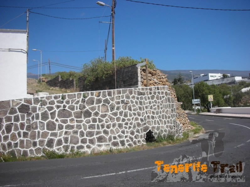 Cruce carretera en Arico Nuevo