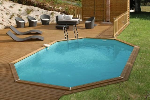 Piscine in legno la soluzione pi conveniente per il for Piscina in giardino