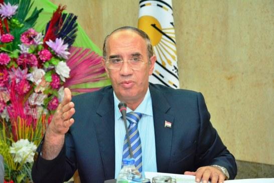 رئيس جامعة أسيوط يوافق على شراء عدد من الأجهزة الطبية الحديثة لاستكمال تجهيز مستشفى طب الأسنان