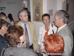 Bürgermeister von Rohrau, Herbert Speckl im Gespräch mit Gästen
