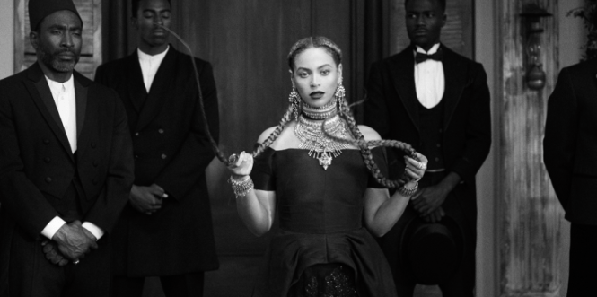 beyonce-formation-music-video-hair-goals-hollywood-london-hairgoals-hairgoalshollywood-superbowl-beautiful-afro-natural-hair-braids-plaits-curly-french-plaits-two-briads-two