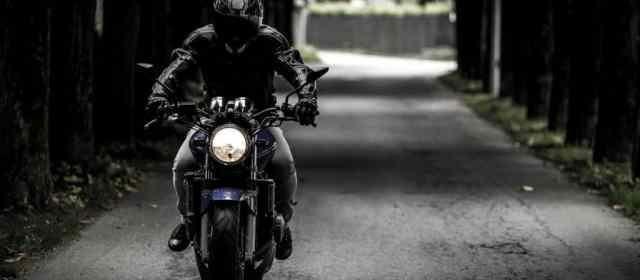 How to stay safe on a motorcycle