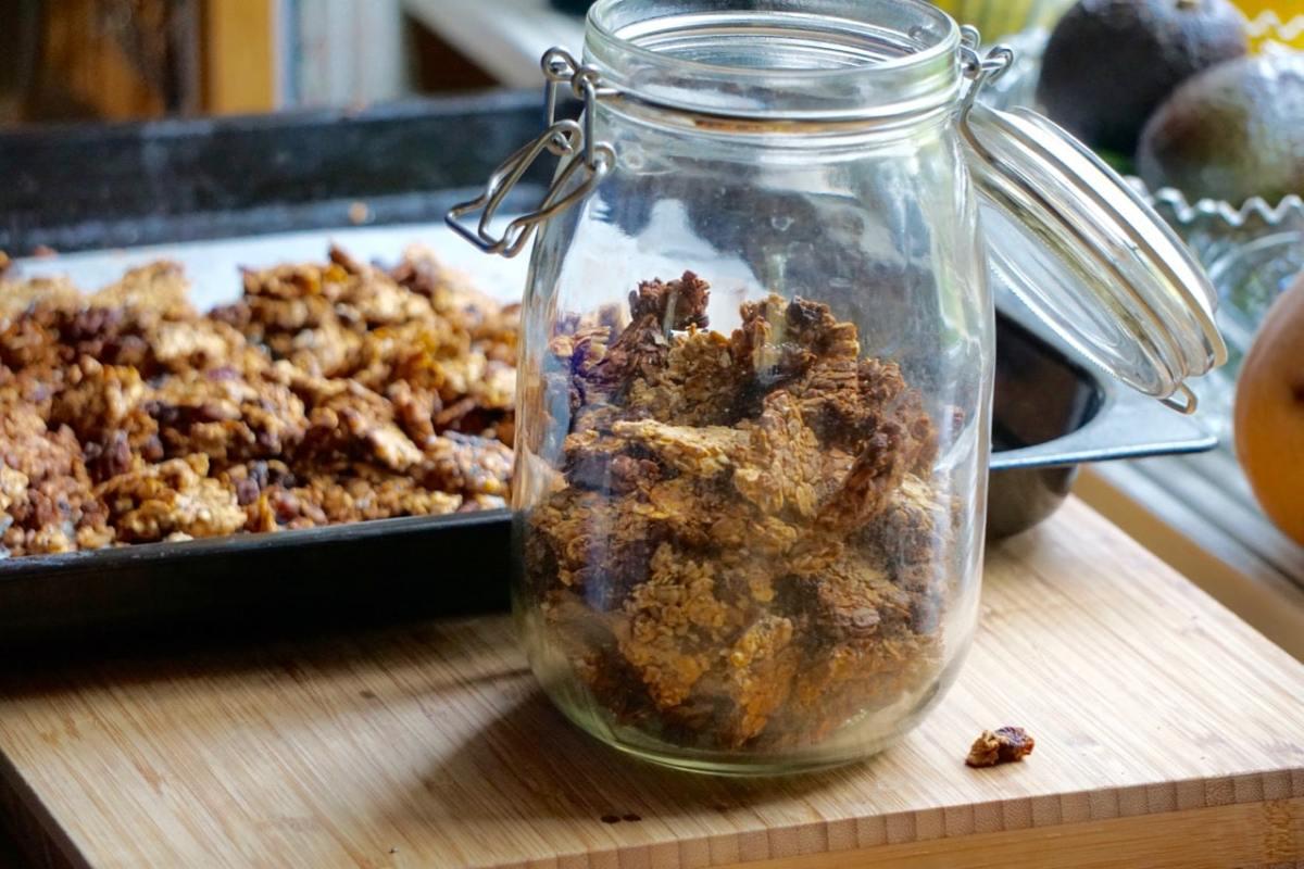 Granola - recept på nyttig granola utan olja