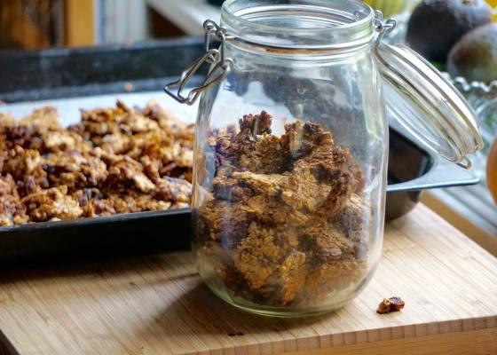 Granola – recept på nyttig granola (müsli) utan olja