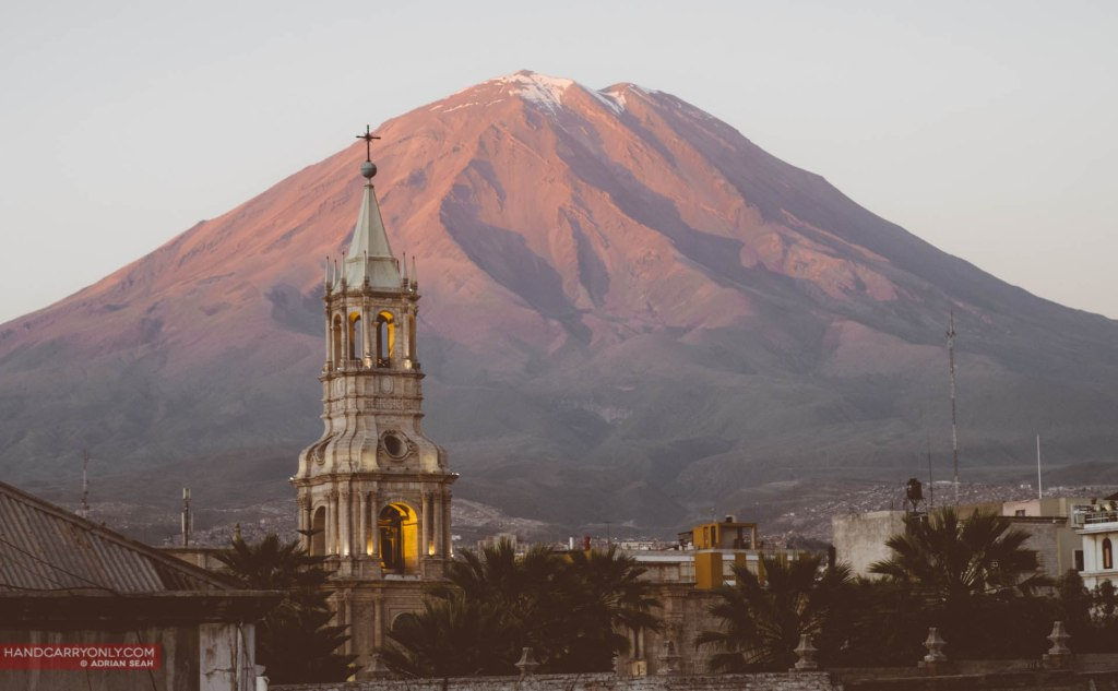 arequipa cathedral volcano