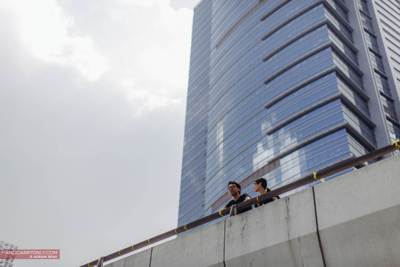 students on a bridge occupycentral