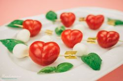 Showy How To Make Tomatoes All Steps Cooking Handimania How To Make A Heart Envelope How To Make A Heart Tie Dye