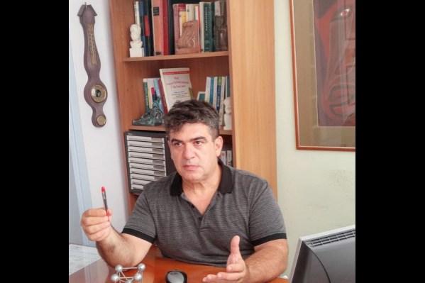 """Ο υπεύθυνος σπουδών του φροντιστηρίου """"Αιχμή"""" κ.Α. Παπαδογιάννης"""