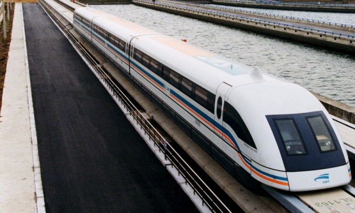 3. a_maglev_train_coming_out,_pudong_international_airport,_shanghai