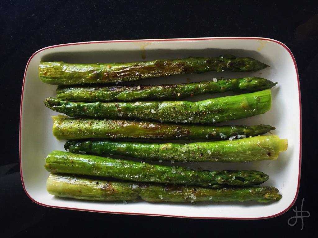 Smjörsteiktur aspas - frábær sem meðlæti eða forréttur