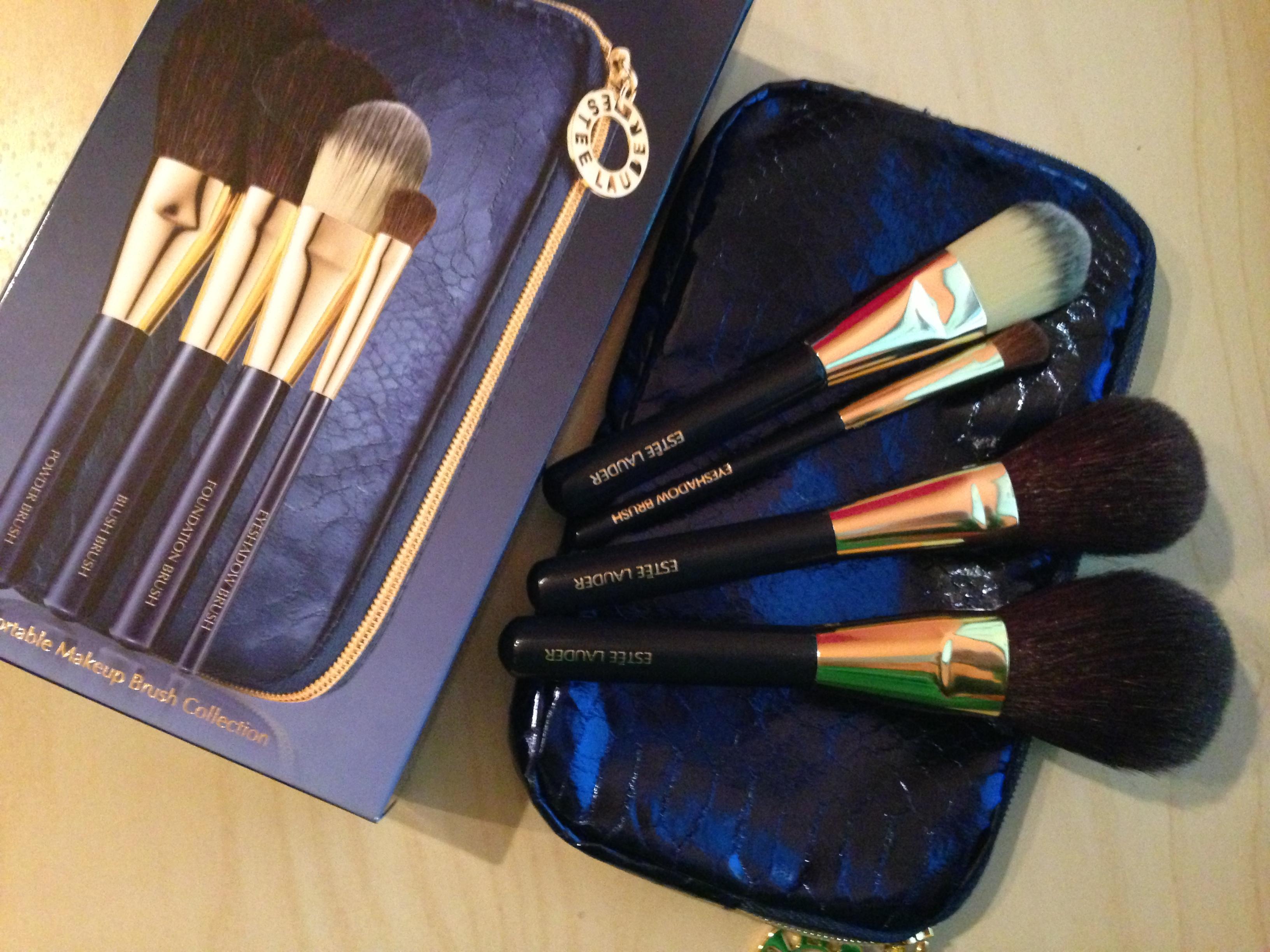 estee lauder portable make up brush collection. Black Bedroom Furniture Sets. Home Design Ideas
