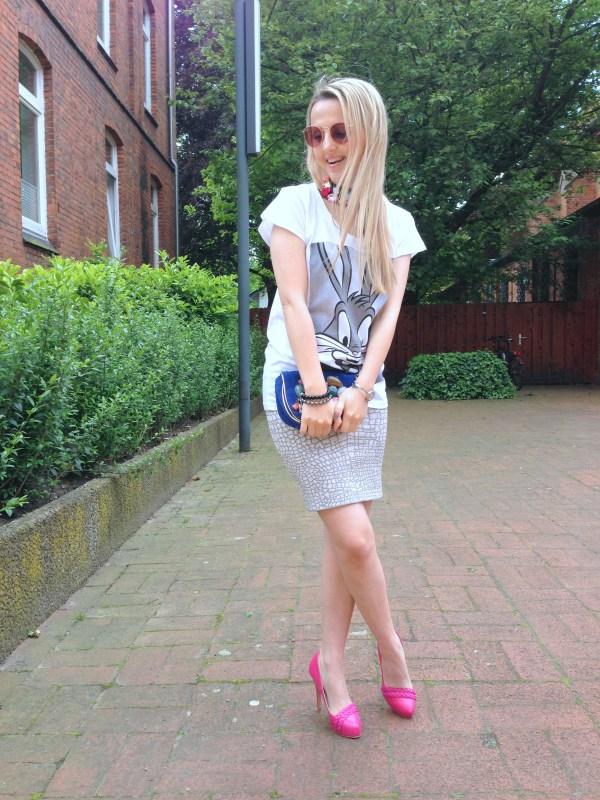 Eleven Paris t-shirt & BCBG Max Azria skirt