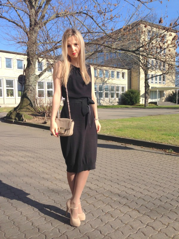 Sisley dress & Coccinelle bag