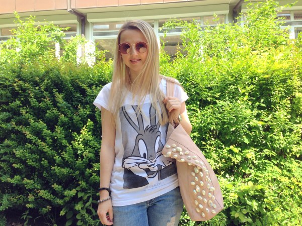 Ray-Ban round sunglasses & Eleven Paris t-shirt