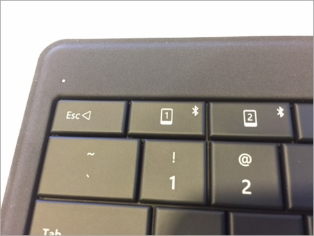 Microsoft Universal Foldable Keyboard - Multiple Bluetooth Pairings