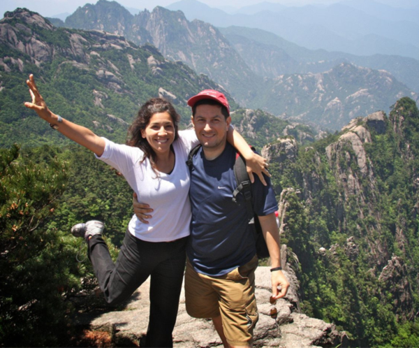Forest Key and wife Christina in Huangshang (Yellow) Mountain China