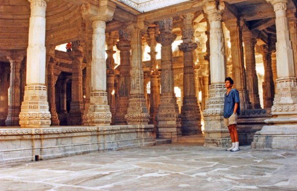 Forest Key at the Jain temple of Ranakpur (Rajastan-India)1993