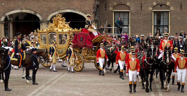 Golden-Carriage
