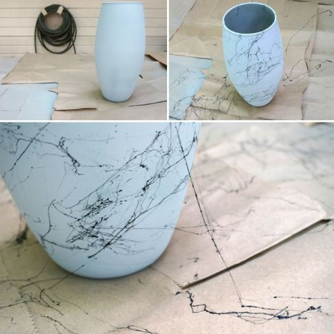 Spraying with marble paint