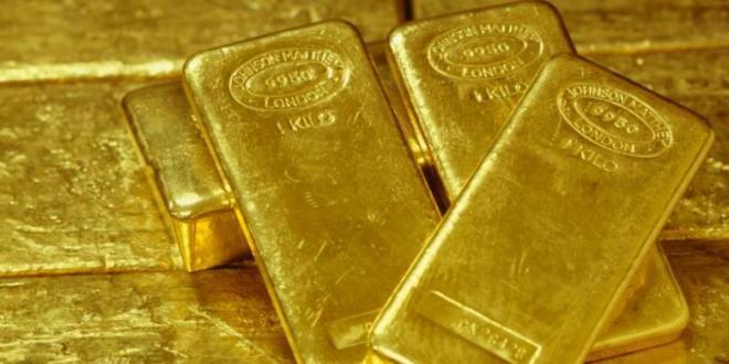 Dollar AS lesu harga emas dunia kembali naik