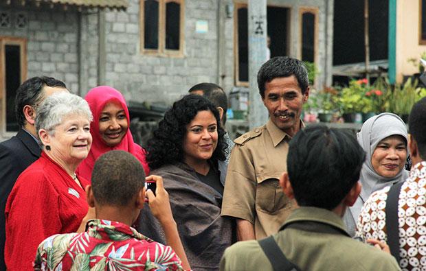 Greenwood and Soetero-Ng with Indonesian representatives
