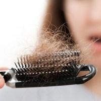 عادات يومية تؤدي إلى تساقط الشعر