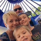 Disneyland-Hotel-Selfie