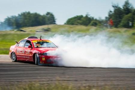 drifting car 1920x1080