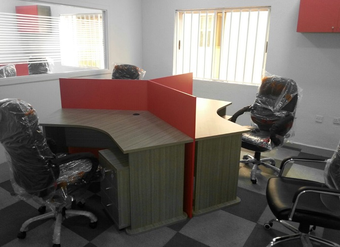 ID: HT WS34,  3-Seater Cubicle Workstation Table