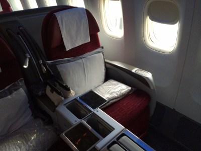 Qatar Airways 777 business class seat