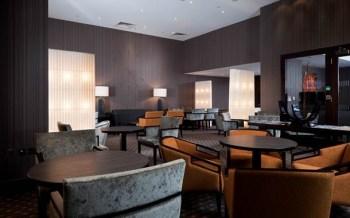 Holiday Inn Kensington lounge