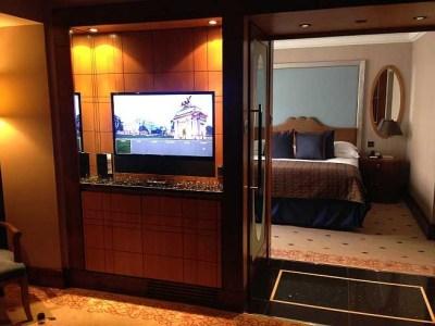 InterContinental Park Lane room TV