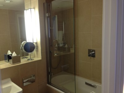 Nadler Hotel Victoria review - Bathroom 1