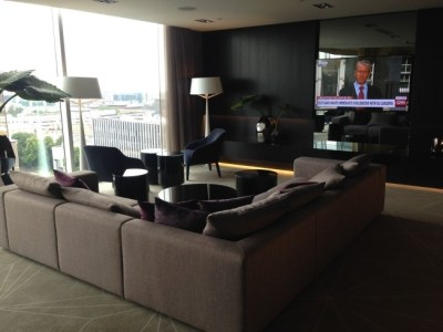 hilton tallinn park review executive lounge TV corner