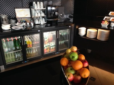 hilton tallinn park executive lounge review snacks and drinks