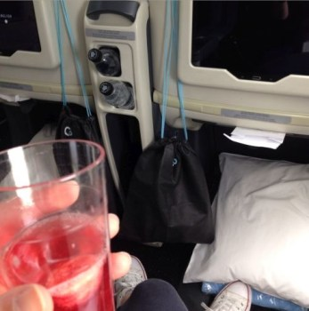 la compagnie plane welcome drink seat