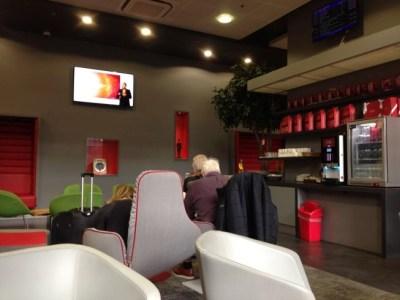 virgin east coast first class lounge kings cross tv area