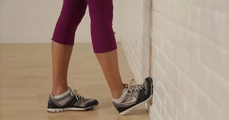4 Moves to Relieve Knee Pain