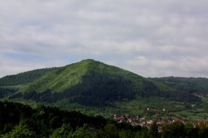 Pyramid-of-the-Sun-Visocica-Hill