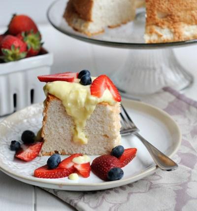 Very Vanilla Angel Food Cake + Vanilla Crème Anglaise