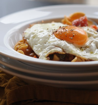 Quick Italian Stew with Eggs