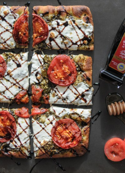 Caprese Flatbread with Balsamic Vinegar Reduction