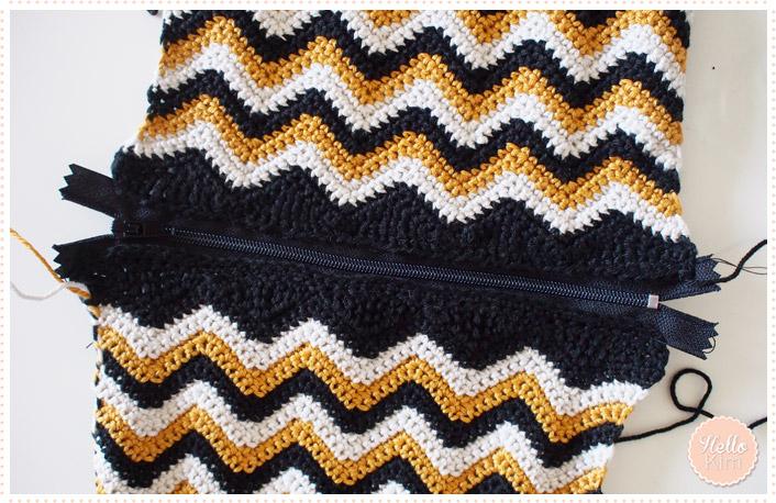hellokim_crochet_pochette_chevrons_zippe_06