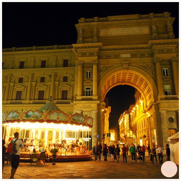 Florence 05.2014 - Plaza de la republica