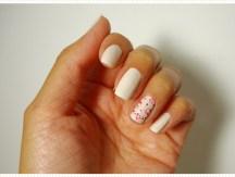 <span>Nail art</span> Des roses sur les ongles