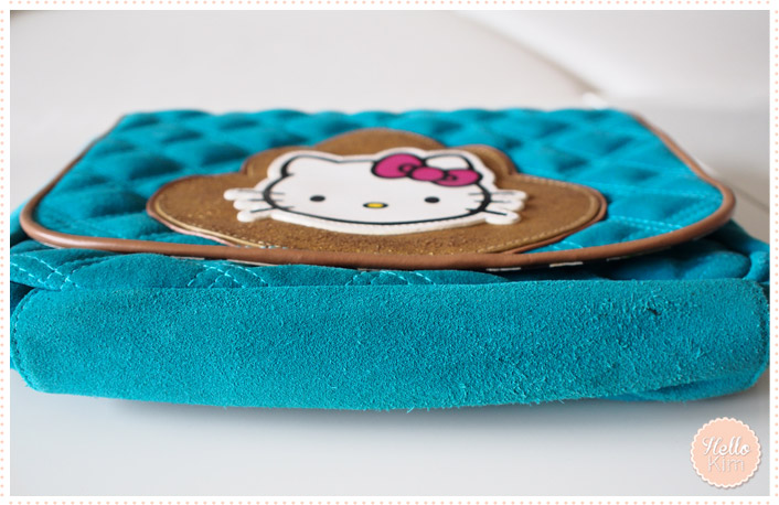 Sac hello Kitty by Victoria Couture en cuir turquoise - vue dessous >> HelloKim