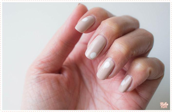 nail-art_minimalist-big-dots_formulax_monumental_hellokim_04