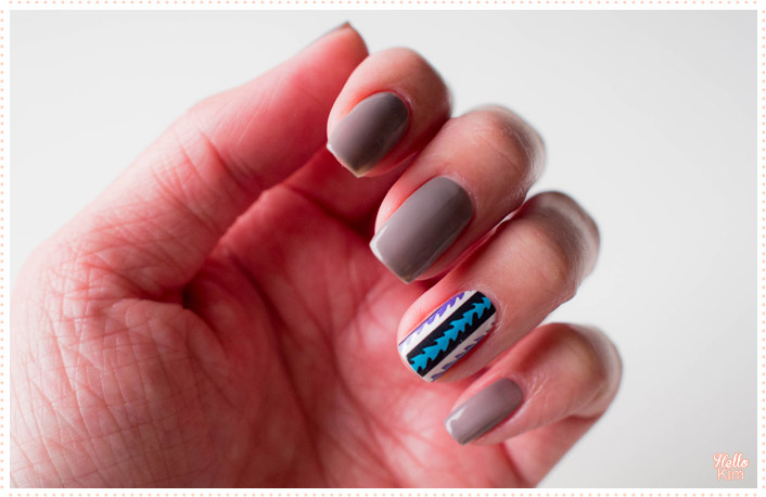 nail-strip-aztec_compulsive-nails_nail-art_hellokim_01