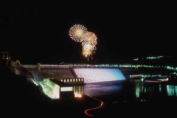 Grand Coulee Dam has the best laser light show on earth.